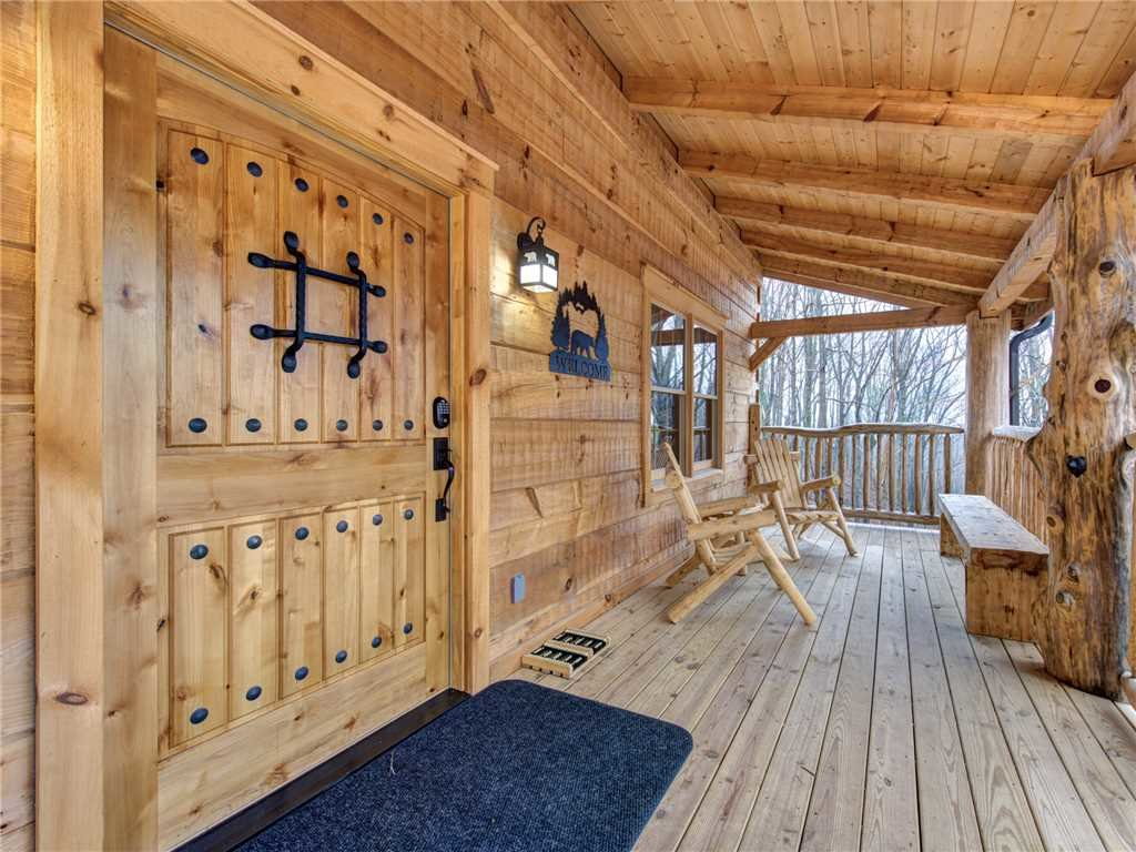 Photo of a Gatlinburg Cabin named Cozy Cub Hideaway - This is the second photo in the set.
