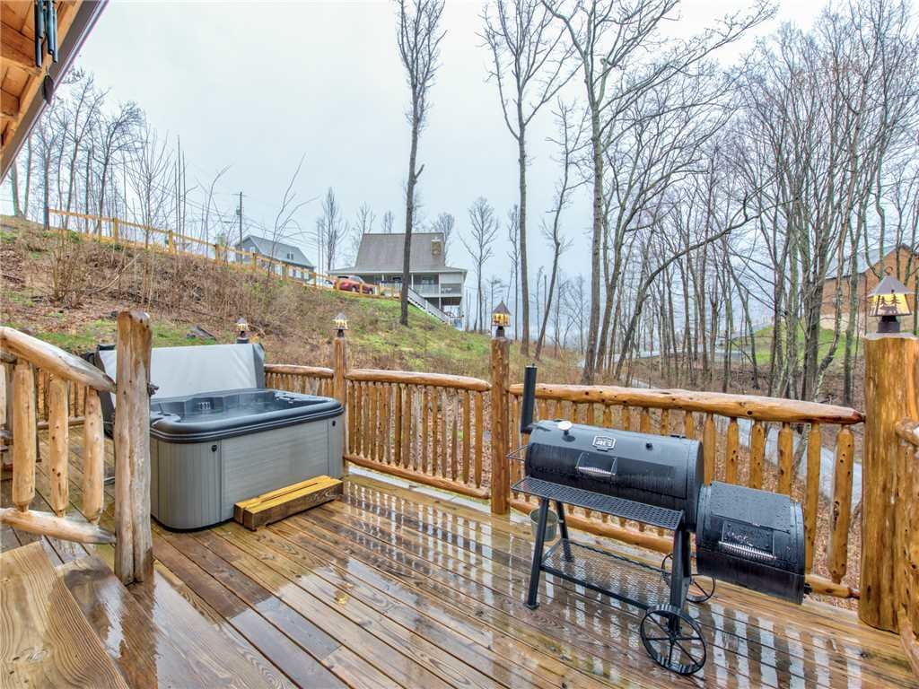 Photo of a Gatlinburg Cabin named Cozy Cub Hideaway - This is the twenty-second photo in the set.