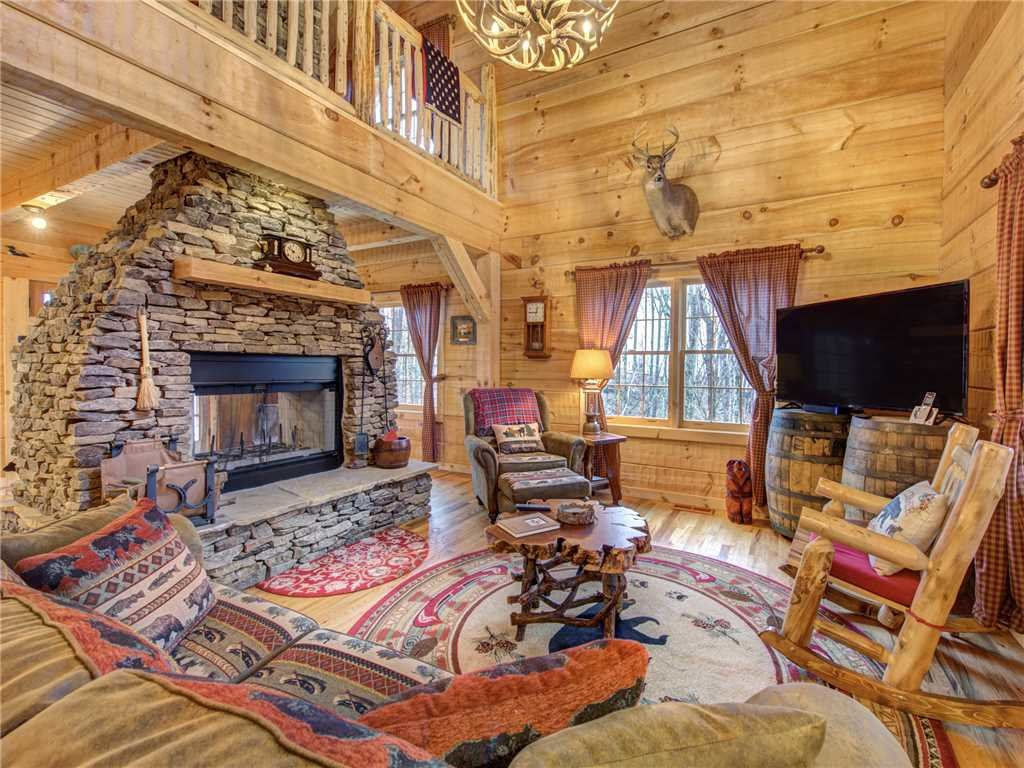 Photo of a Gatlinburg Cabin named Cozy Cub Hideaway - This is the third photo in the set.