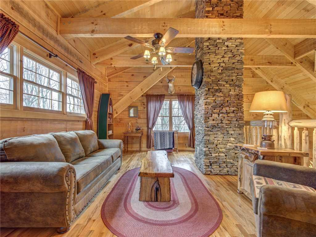 Photo of a Gatlinburg Cabin named Cozy Cub Hideaway - This is the tenth photo in the set.