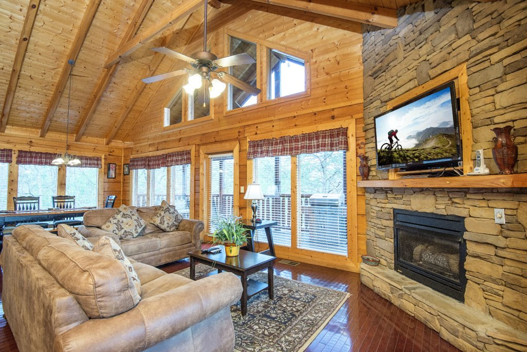Photo of a Sevierville Cabin named  Almost Paradise - This is the two hundred and thirty-second photo in the set.