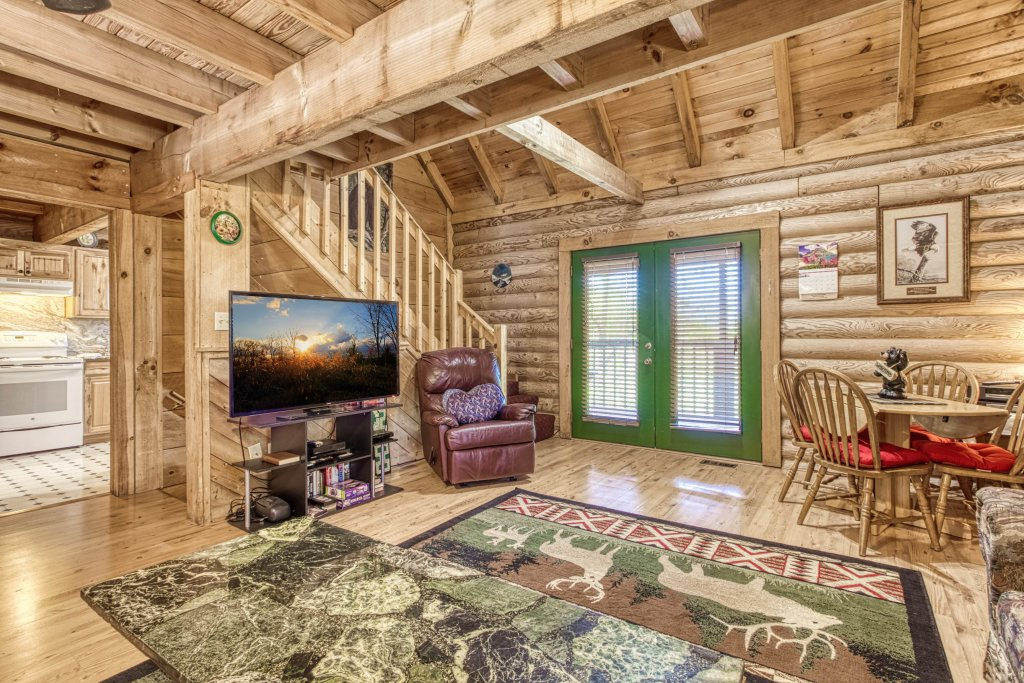 Photo of a Gatlinburg Cabin named Mountain Perch #2134 - This is the ninth photo in the set.