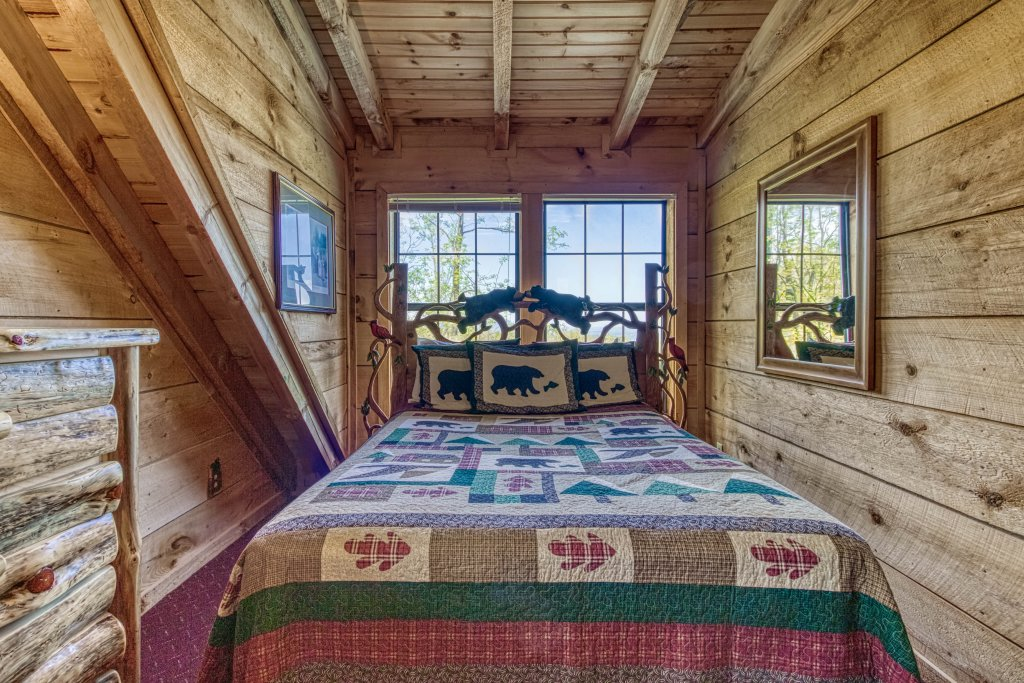 Photo of a Gatlinburg Cabin named Mountain Perch #2134 - This is the sixteenth photo in the set.