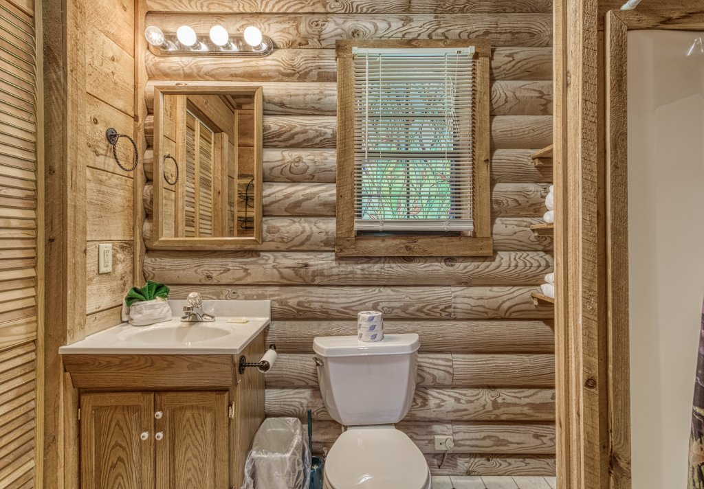 Photo of a Gatlinburg Cabin named Mountain Perch #2134 - This is the twentieth photo in the set.