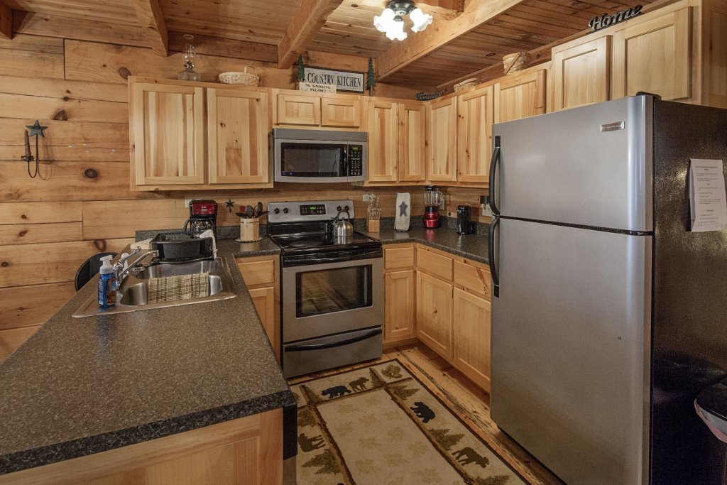 Photo of a Pigeon Forge Condo named  Jalyn's Treehouse - This is the four hundred and thirty-first photo in the set.