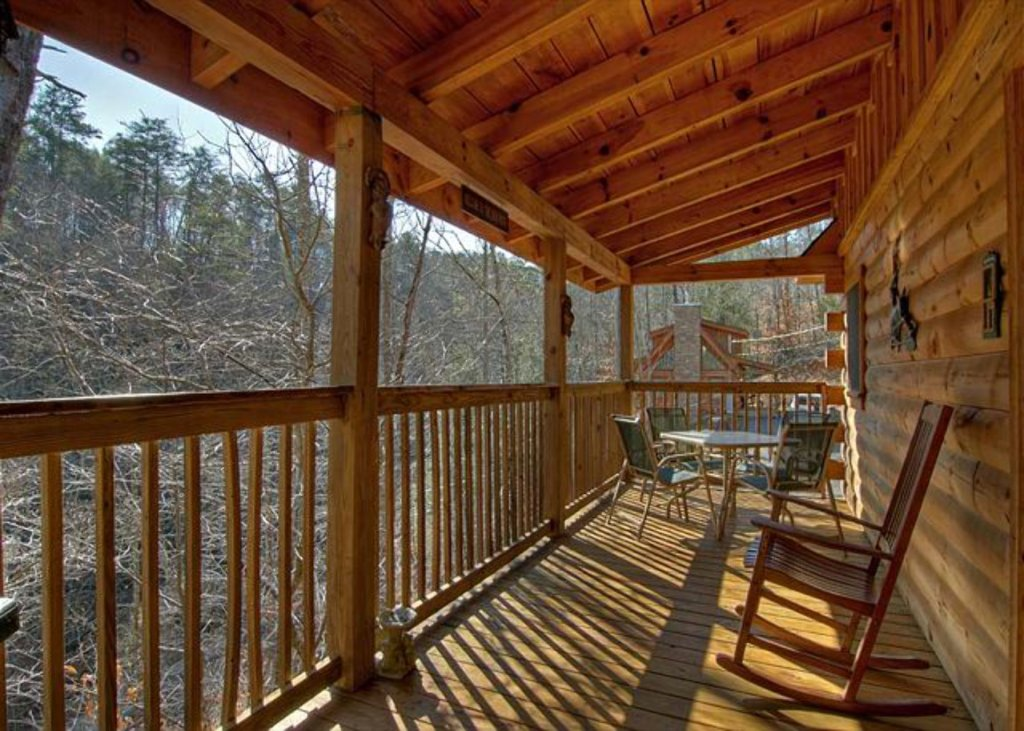 Photo of a Pigeon Forge Cabin named Mystic Mountain - This is the two hundred and ninety-fourth photo in the set.