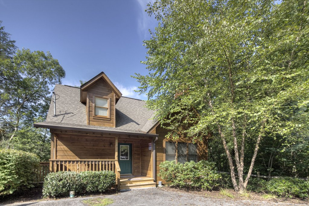 Photo of a Gatlinburg Cabin named Point Of View - This is the fourth photo in the set.