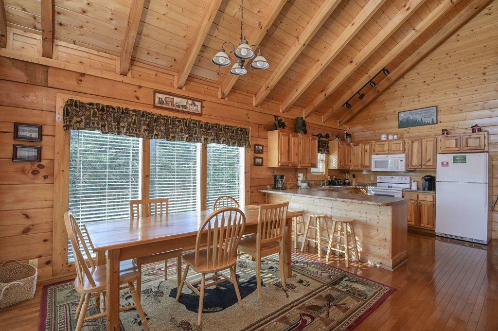 Photo of a Sevierville Cabin named Hillside Retreat - This is the four hundred and fifty-fourth photo in the set.