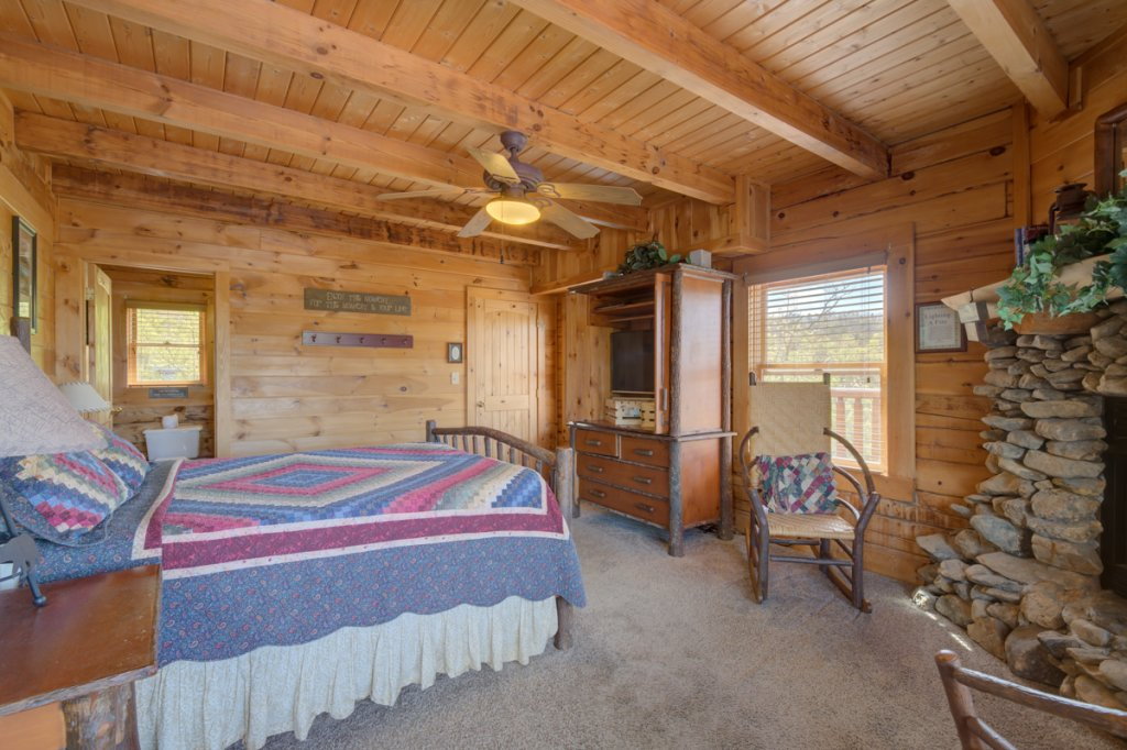 Photo of a Sevierville Cabin named Perfect Peace #46 - This is the sixteenth photo in the set.