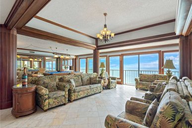 Summit Penthouse 1501, 4 Bedrooms, Pool, Beach Front, Sleeps 18