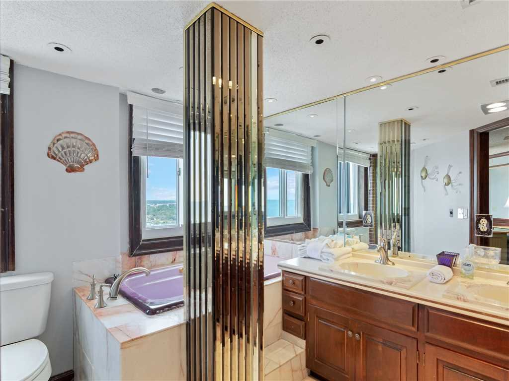 Photo of a Panama City Beach Condo named Summit Penthouse 1501 - This is the fourteenth photo in the set.