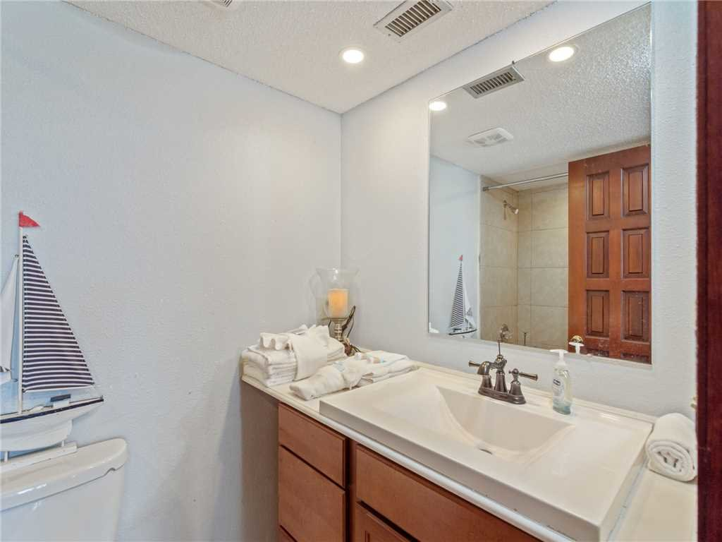 Photo of a Panama City Beach Condo named Summit Penthouse 1501 - This is the twenty-first photo in the set.