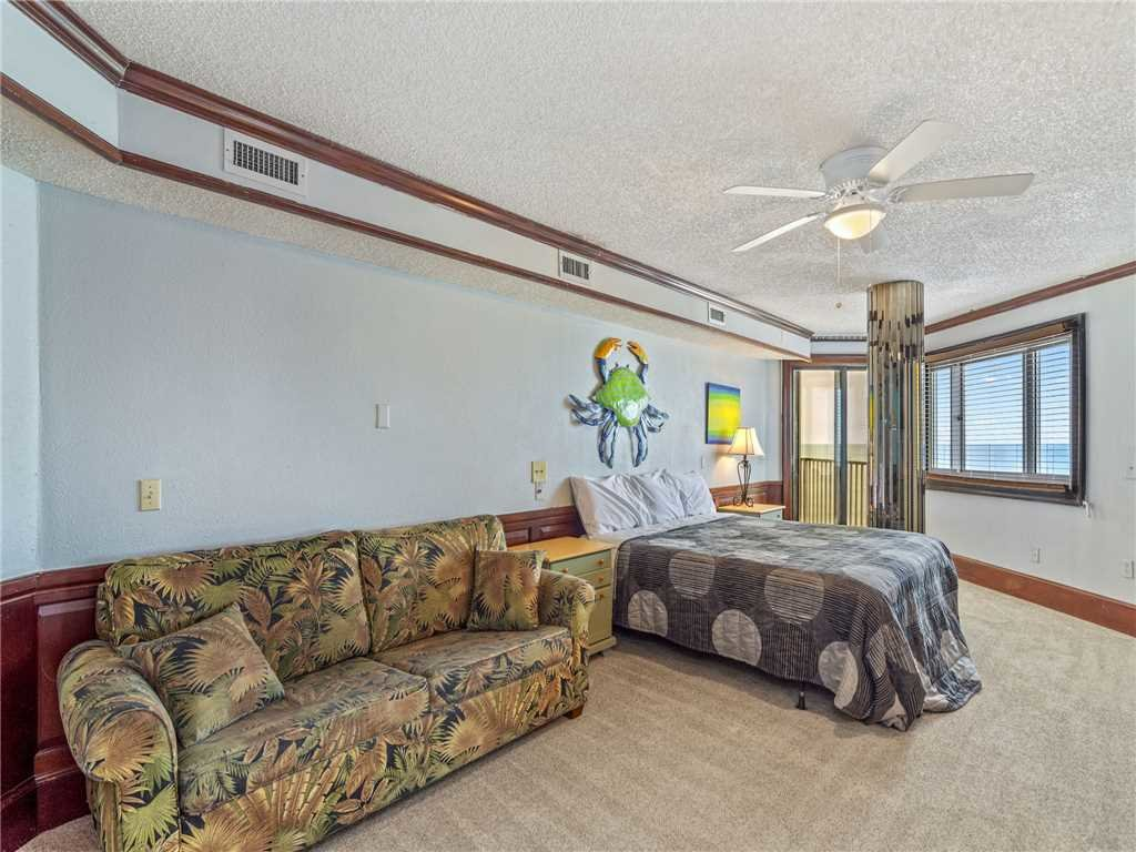 Photo of a Panama City Beach Condo named Summit Penthouse 1501 - This is the thirteenth photo in the set.