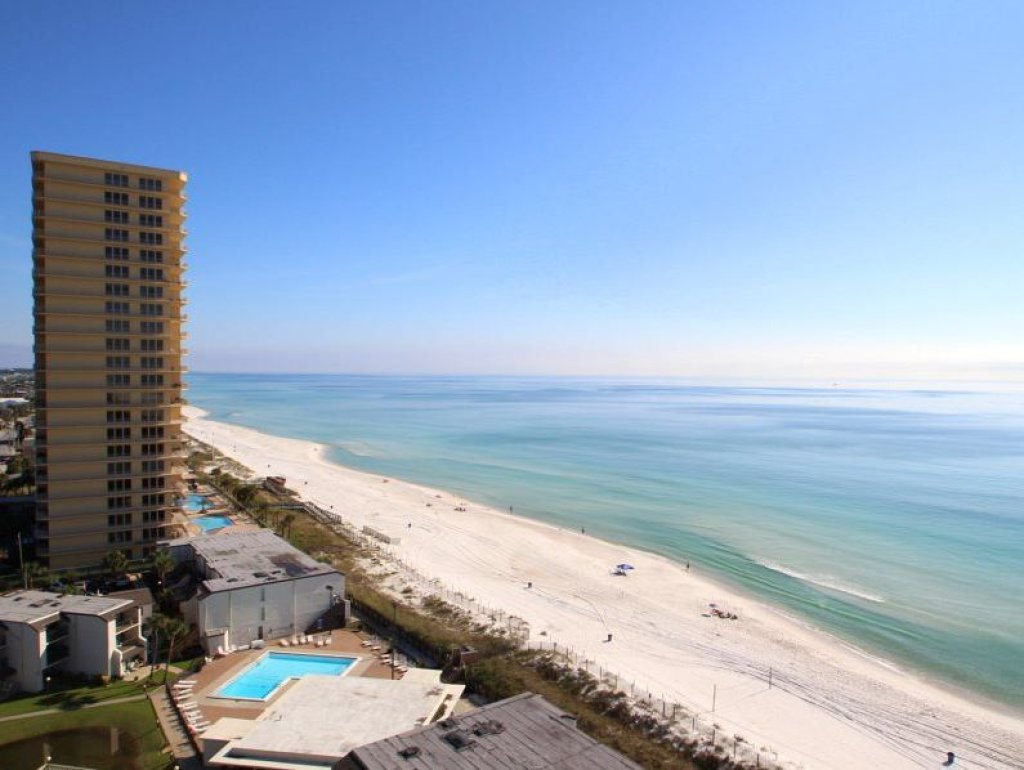 Photo of a Panama City Beach Condo named Summit Penthouse 1501 - This is the forty-second photo in the set.