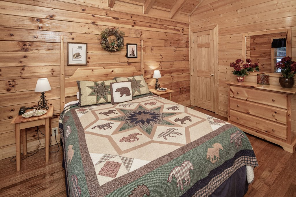 Photo of a Sevierville Cabin named  Absolute Paradise - This is the one thousand five hundred and ninth photo in the set.