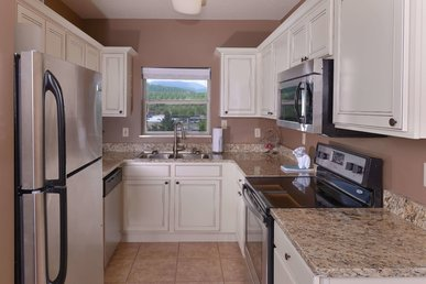 2 Br On The River, Virtual Arrival/departure, Superb Cleaning, Affordable