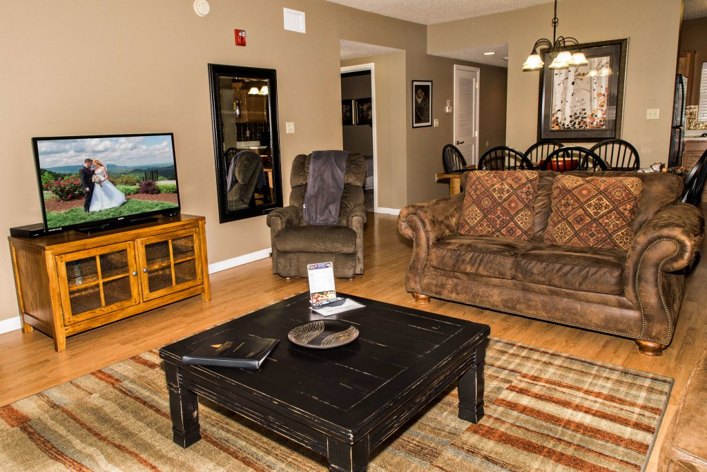 Photo of a Pigeon Forge Condo named Cedar Lodge 302 - This is the fifth photo in the set.