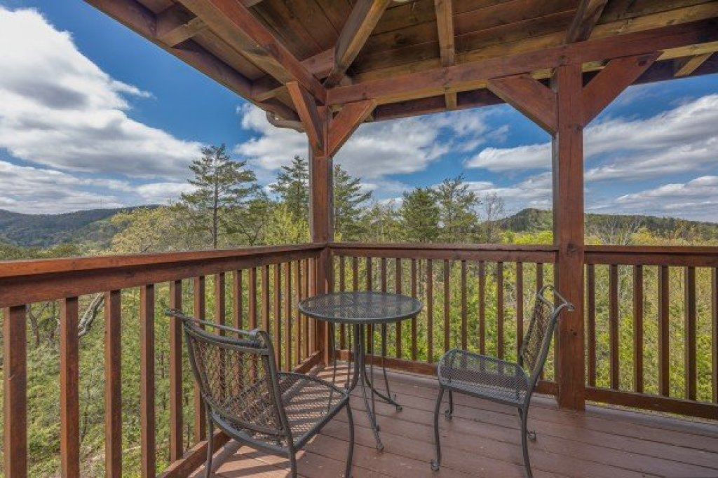 Photo of a Pigeon Forge Cabin named Mountain Laurel Lodge - This is the ninth photo in the set.