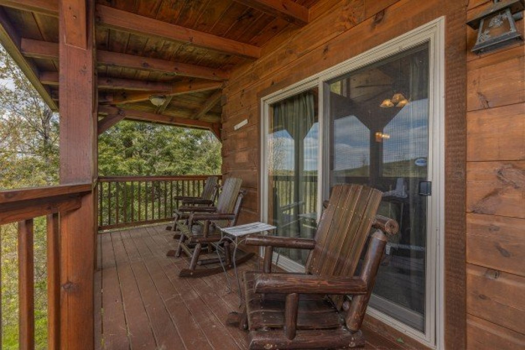Photo of a Pigeon Forge Cabin named Mountain Laurel Lodge - This is the thirtieth photo in the set.