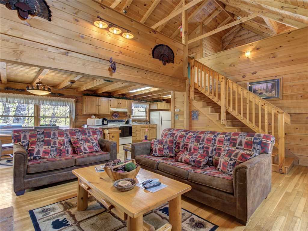 Photo of a Gatlinburg Cabin named Amazing Memories - This is the second photo in the set.