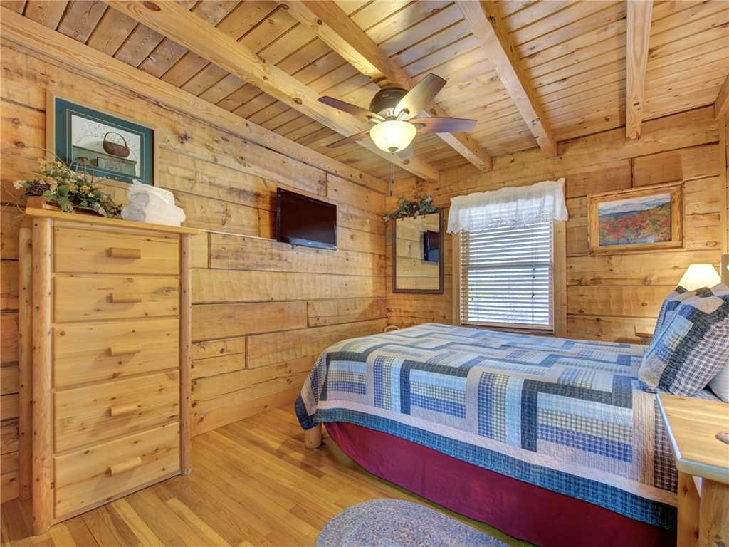 Photo of a Gatlinburg Cabin named Amazing Memories - This is the twelfth photo in the set.
