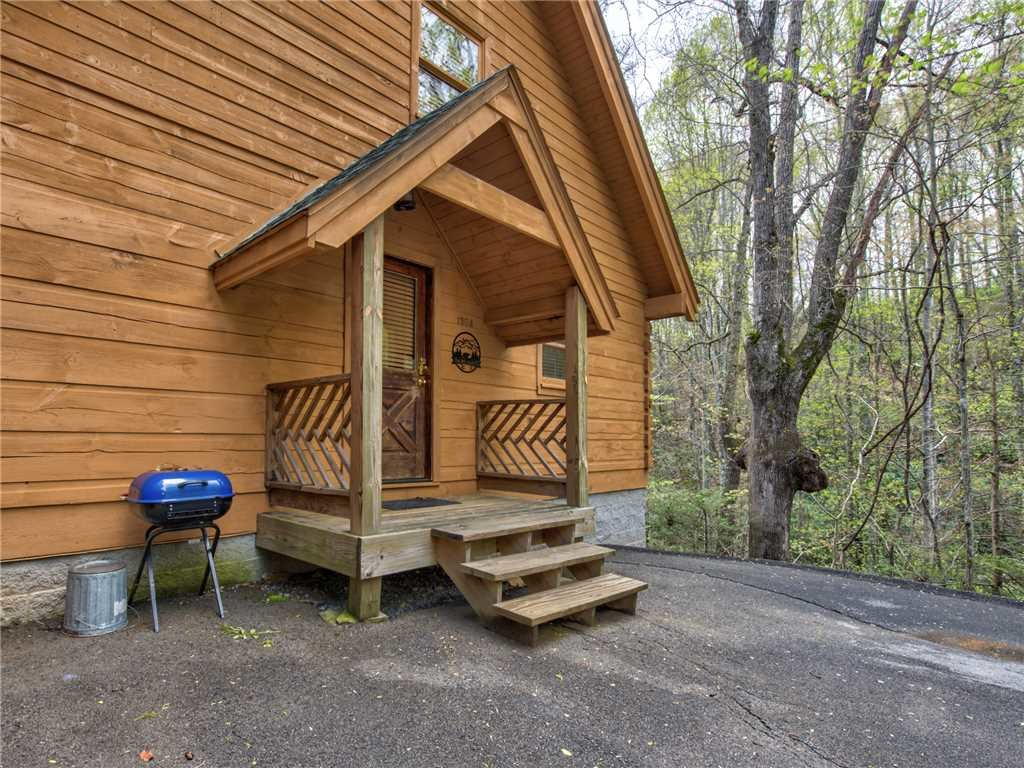 Photo of a Gatlinburg Cabin named Above Ole Smoky's Clouds - This is the twenty-third photo in the set.