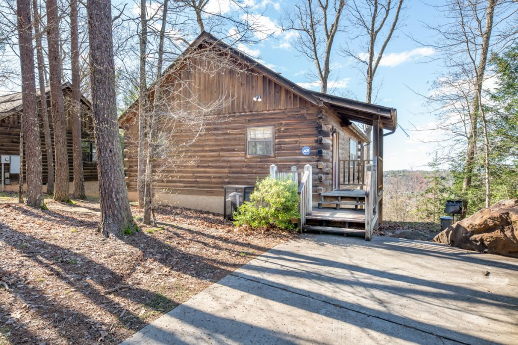 Photo of a Sevierville Cabin named All About Romance - This is the seventeenth photo in the set.