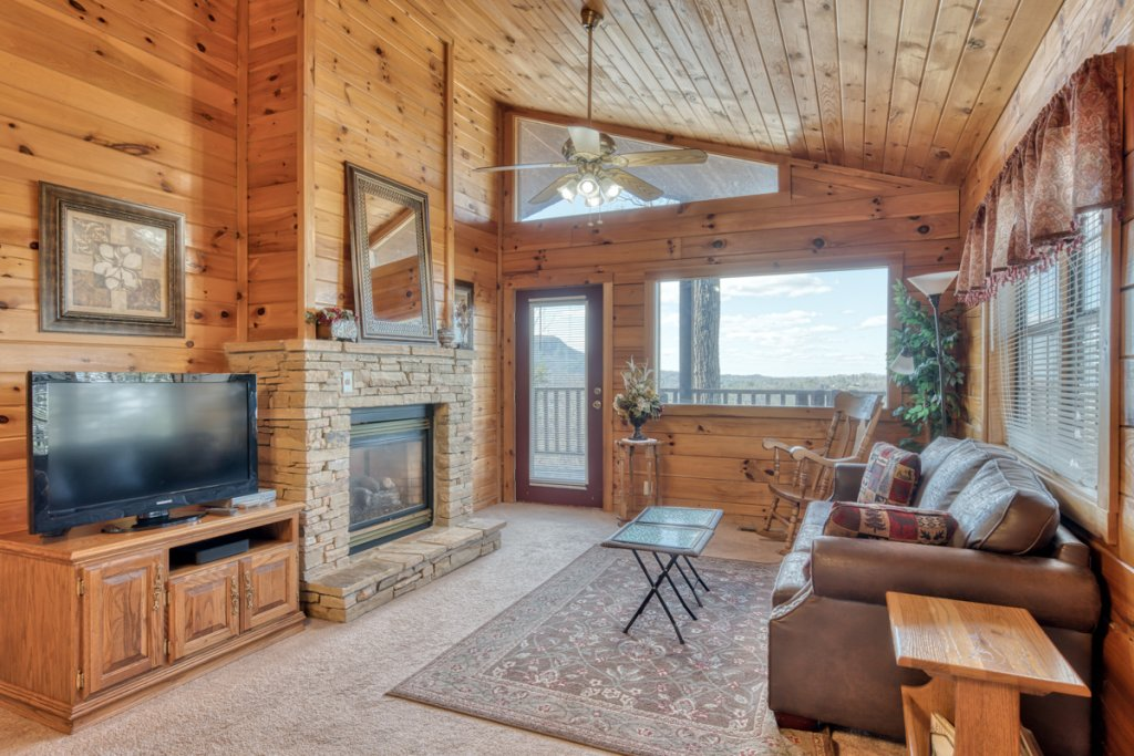Photo of a Sevierville Cabin named All About Romance - This is the third photo in the set.