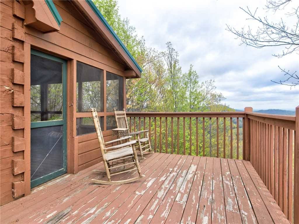 Photo of a Pigeon Forge Cabin named Huckleberry Ridge - This is the twenty-first photo in the set.