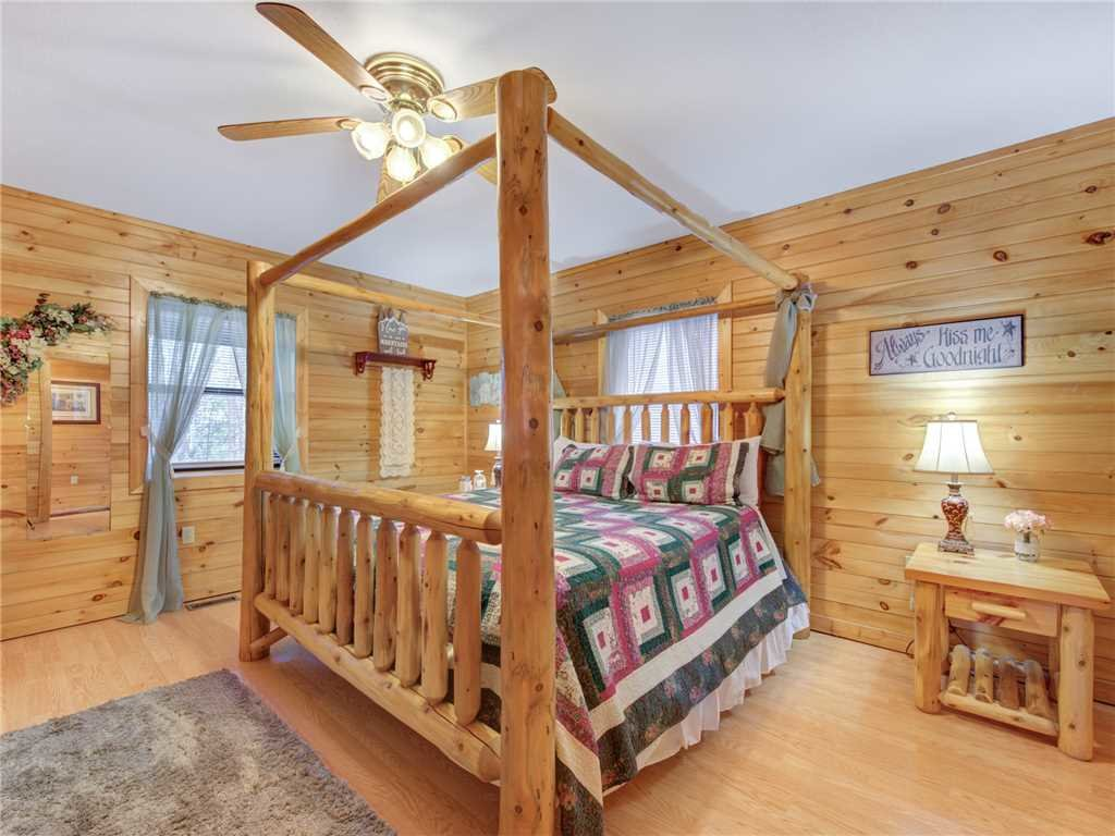 Photo of a Gatlinburg Cabin named Mountain Romance - This is the twelfth photo in the set.