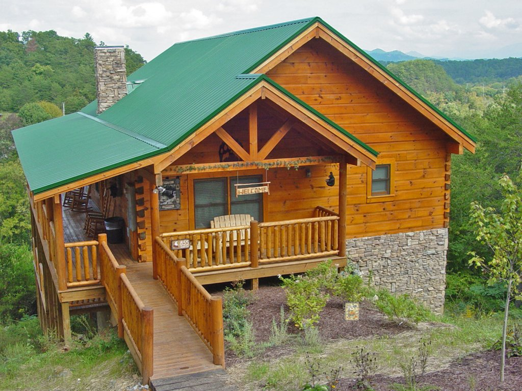 Photo of a Sevierville Cabin named Hillside Retreat - This is the fifth photo in the set.