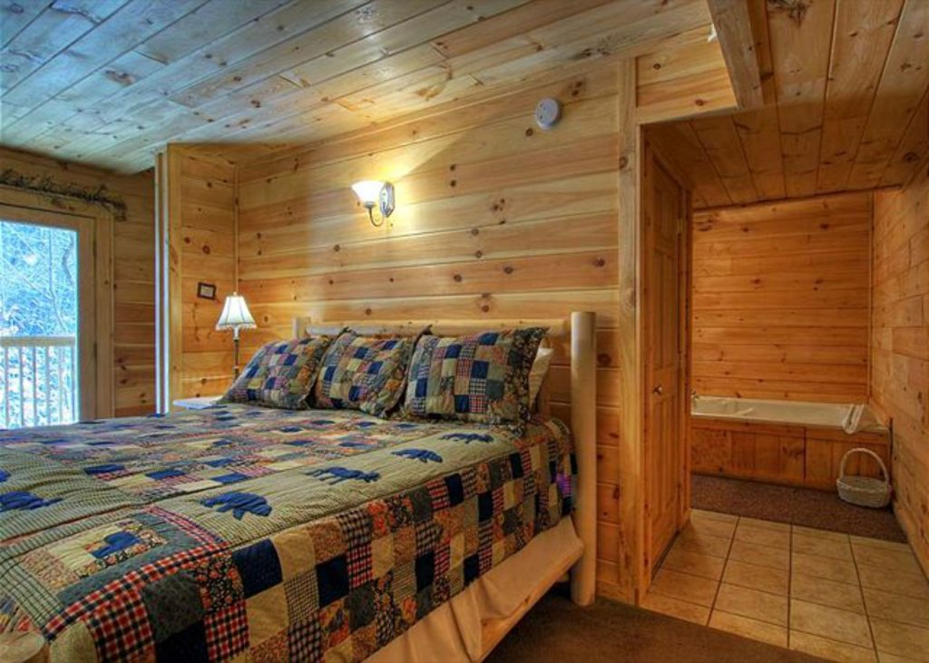Photo of a Pigeon Forge Cabin named Mystic Mountain - This is the one thousand and twenty-seventh photo in the set.