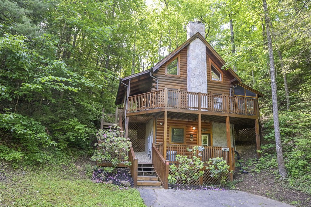 Photo of a Pigeon Forge Cabin named  Treasured Times - This is the three thousand and twenty-eighth photo in the set.