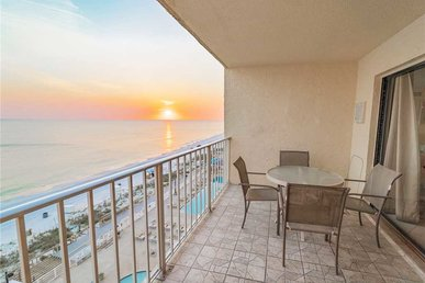 Regency Towers 719, 2 Bedrooms, Beachfront, Wi-fi, Pool, Sleeps 8
