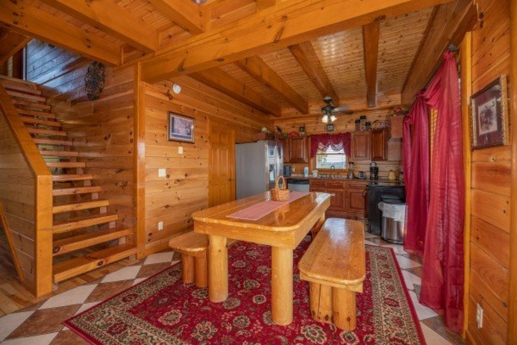 Photo of a Sevierville Cabin named Galaxy Splash - This is the sixth photo in the set.