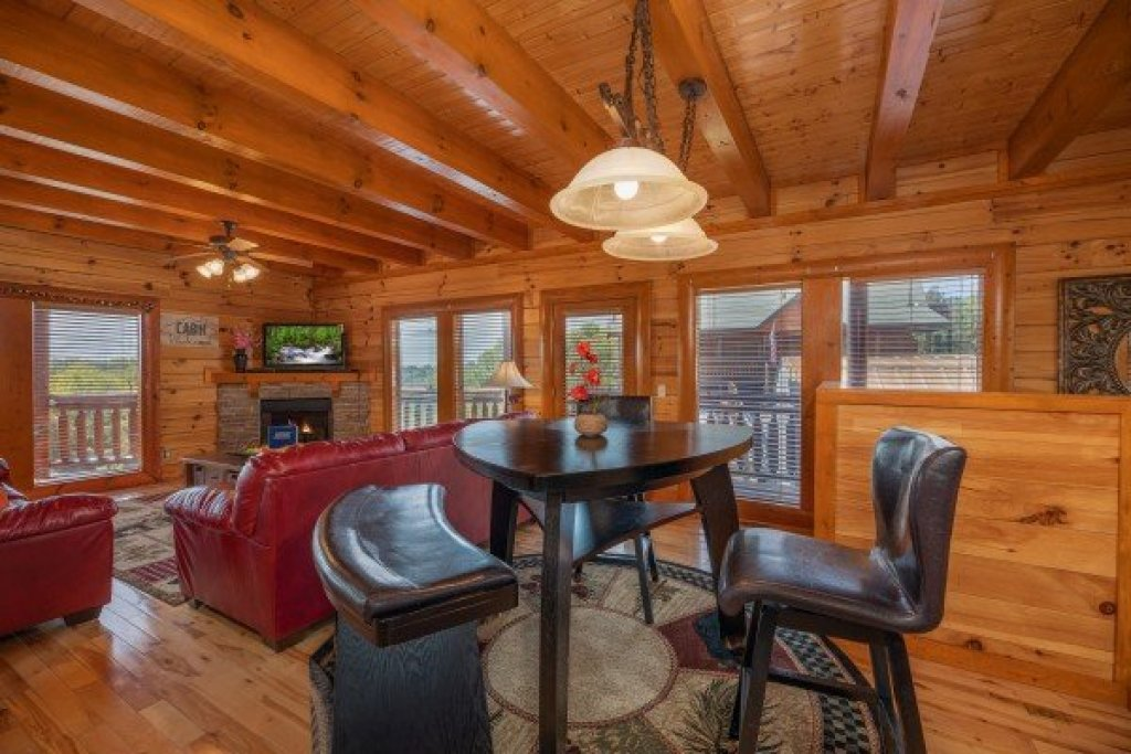 Photo of a Sevierville Cabin named Galaxy Splash - This is the eighth photo in the set.