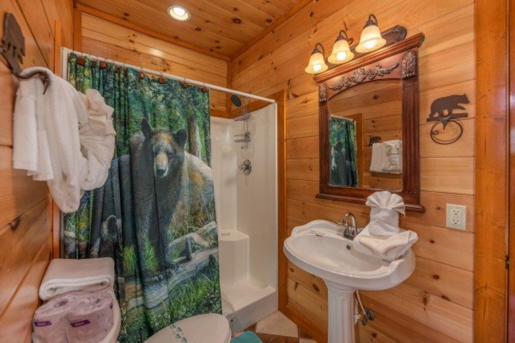 Photo of a Sevierville Cabin named Galaxy Splash - This is the eleventh photo in the set.