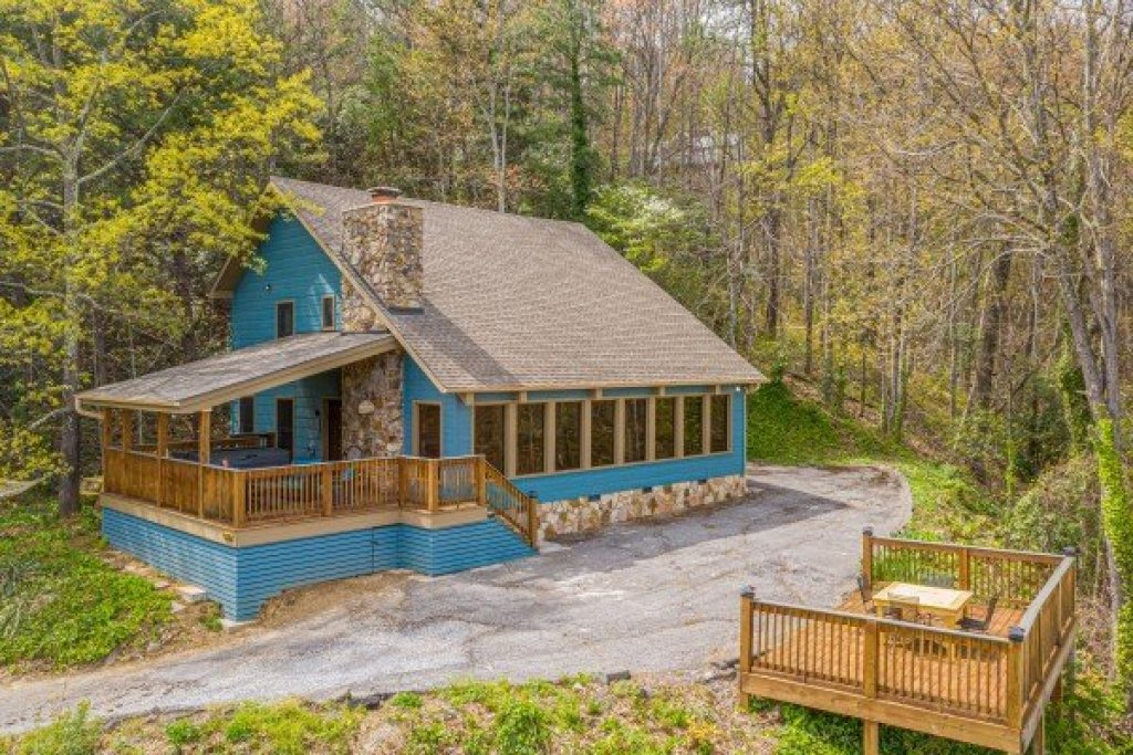 Photo of a Gatlinburg Cabin named Ober The Top Views - This is the second photo in the set.