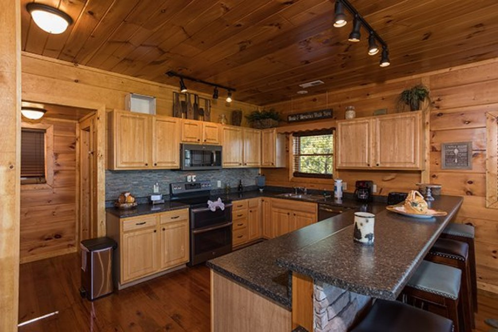 Photo of a Sevierville Cabin named 50 Mile View - This is the sixth photo in the set.