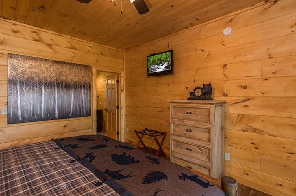Photo of a Sevierville Cabin named 50 Mile View - This is the thirty-seventh photo in the set.