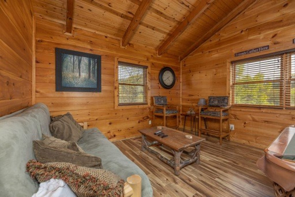Photo of a Sevierville Cabin named 50 Mile View - This is the eighteenth photo in the set.