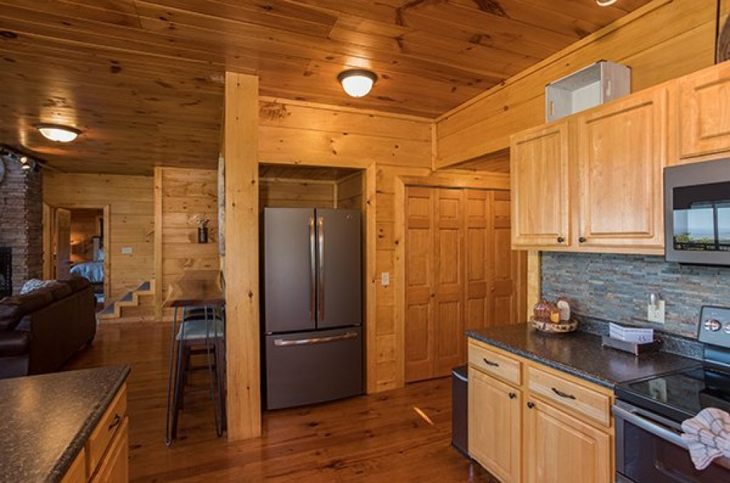 Photo of a Sevierville Cabin named 50 Mile View - This is the seventh photo in the set.