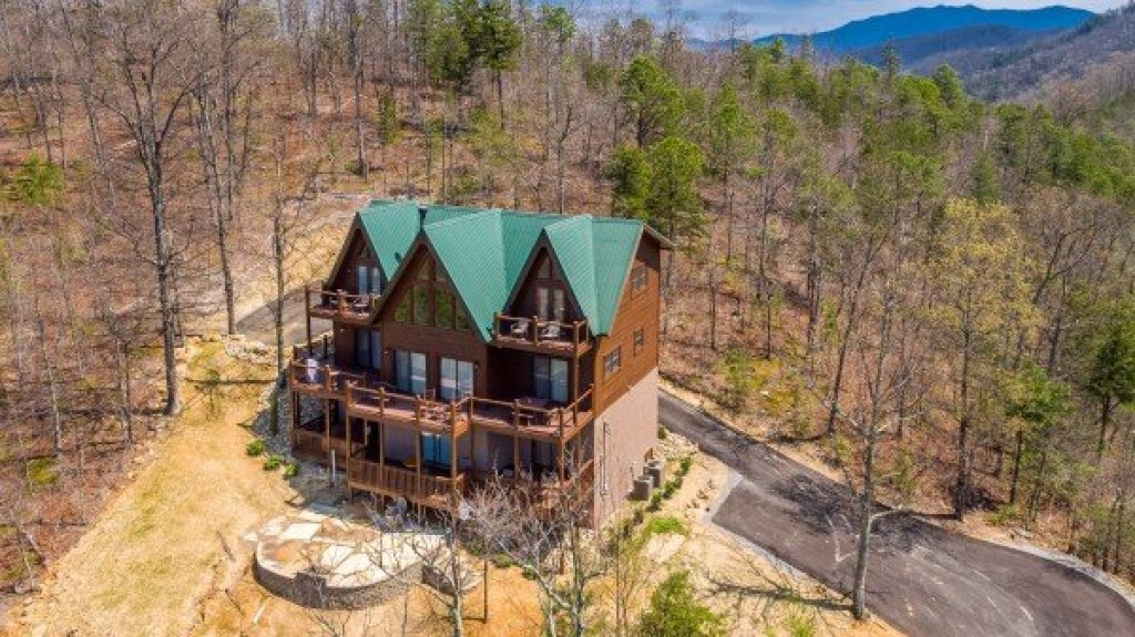 Photo of a Sevierville Cabin named 50 Mile View - This is the forty-second photo in the set.