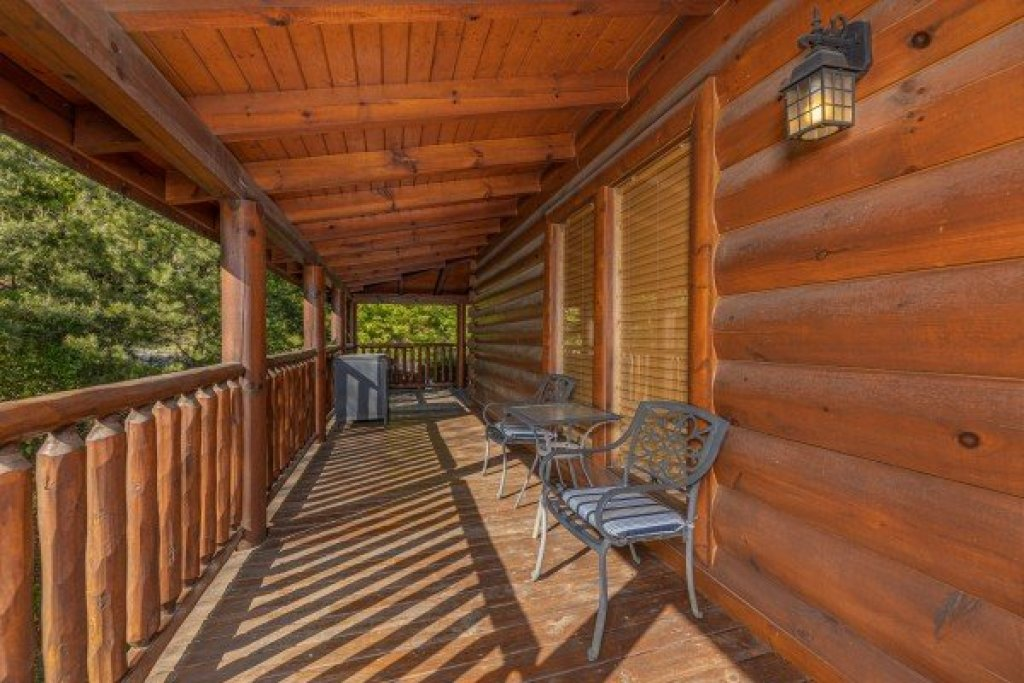 Photo of a Sevierville Cabin named Rocky Top Memories - This is the twenty-sixth photo in the set.