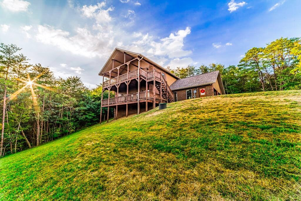 Photo of a Sevierville Cabin named Secluded Sunrise - This is the tenth photo in the set.
