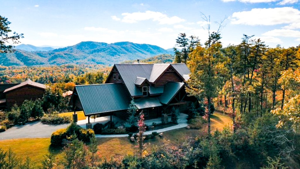 Photo of a Sevierville Cabin named Hackberry Lodge - This is the sixteenth photo in the set.
