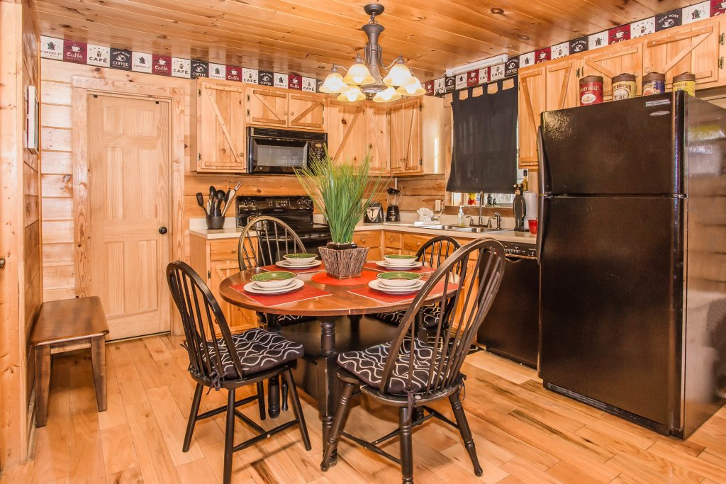 Photo of a Sevierville Cabin named Serendipity - This is the twelfth photo in the set.