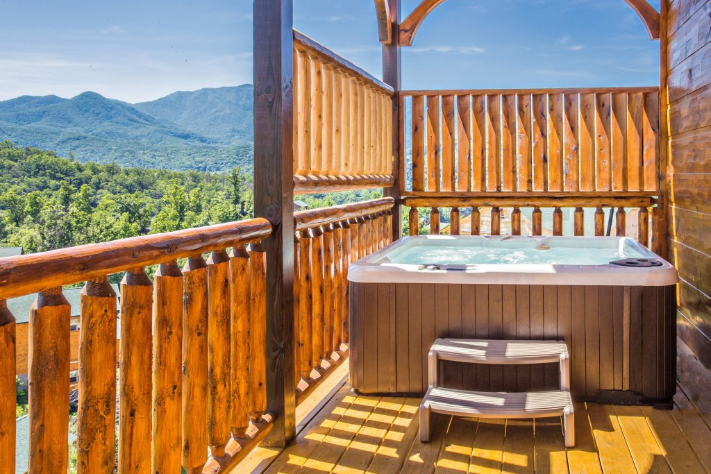 Photo of a Gatlinburg Cabin named Living The Dream - This is the fifth photo in the set.