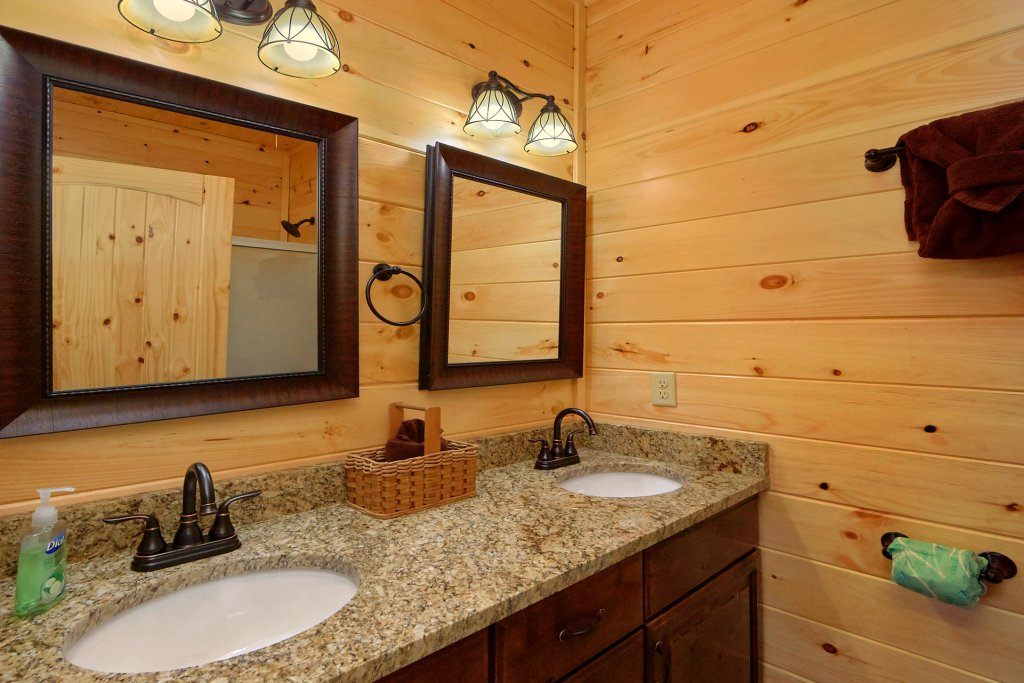 Photo of a Gatlinburg Cabin named Living The Dream - This is the fifty-first photo in the set.