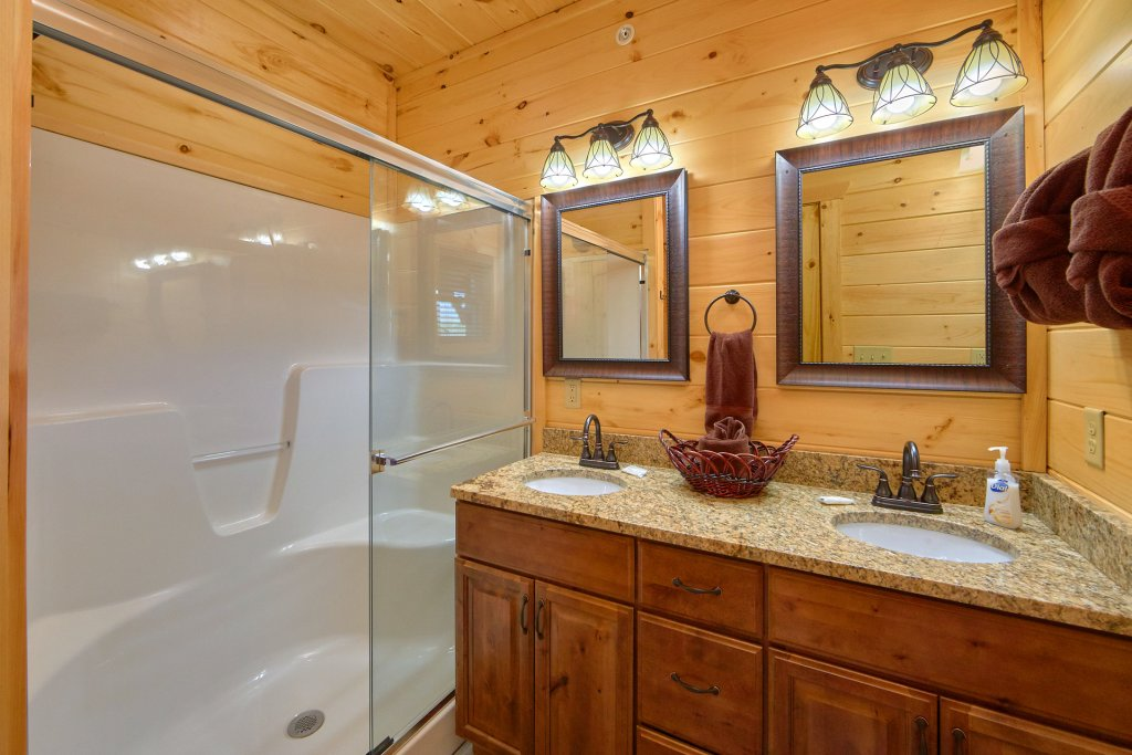 Photo of a Gatlinburg Cabin named Living The Dream - This is the forty-first photo in the set.